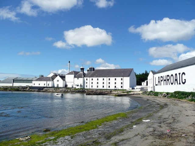 Explore our famous 'whisky island' during a couple of days on the Isle of Islay image