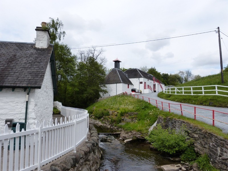 Enjoy a wee dram at one of Scotland's smallest whisky distilleries image